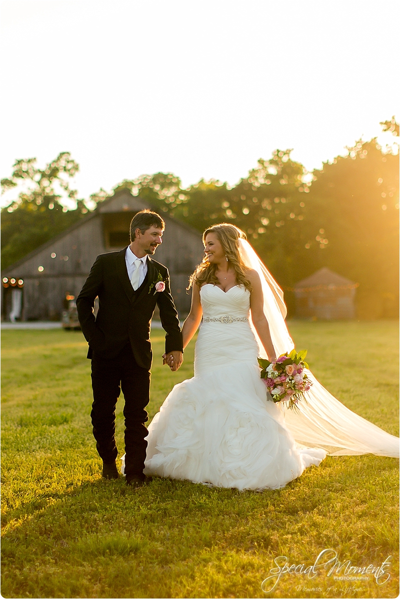 arkansas wedding photographer, hat creek ranch barn wedding, northwest arkansas wedding photographer_0704