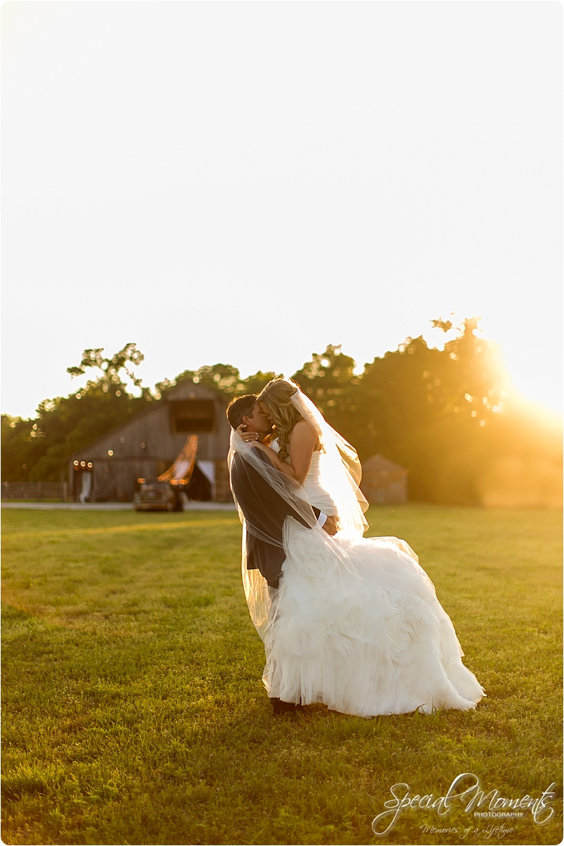 arkansas wedding photographer, hat creek ranch barn wedding, northwest arkansas wedding photographer_0705