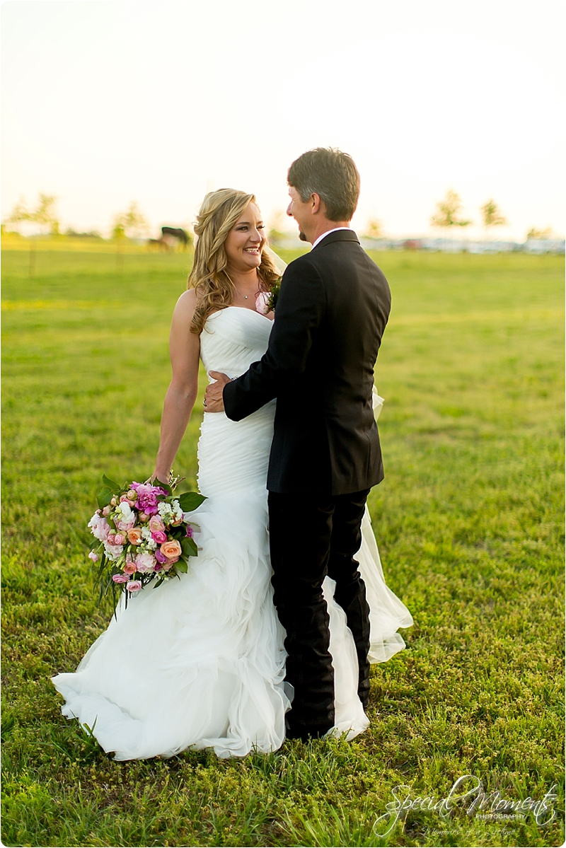 arkansas wedding photographer, hat creek ranch barn wedding, northwest arkansas wedding photographer_0708