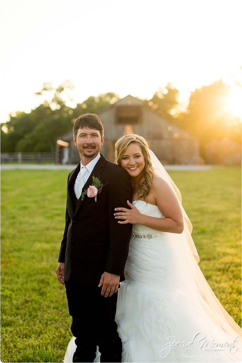 arkansas wedding photographer, hat creek ranch barn wedding, northwest arkansas wedding photographer_0709