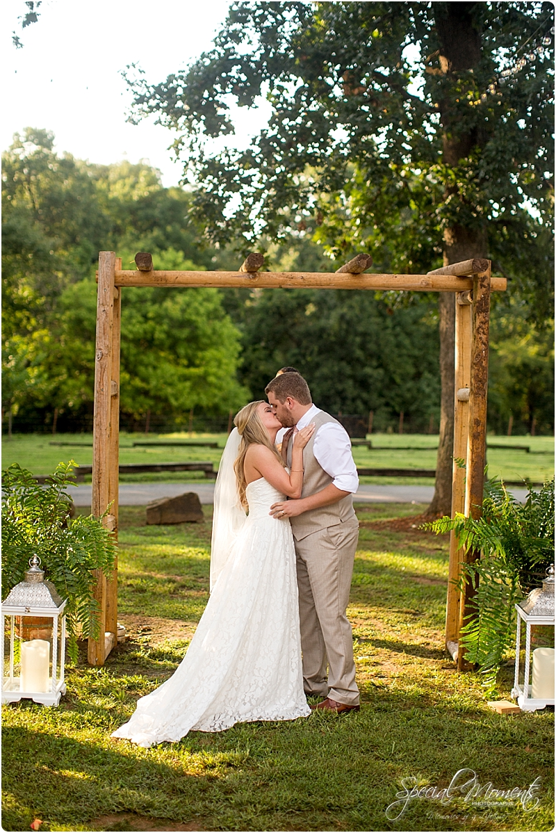 barn-at-the-springs-wedding-arkansas-wedding-photographer-fort-smith-wedding-photographer_0234